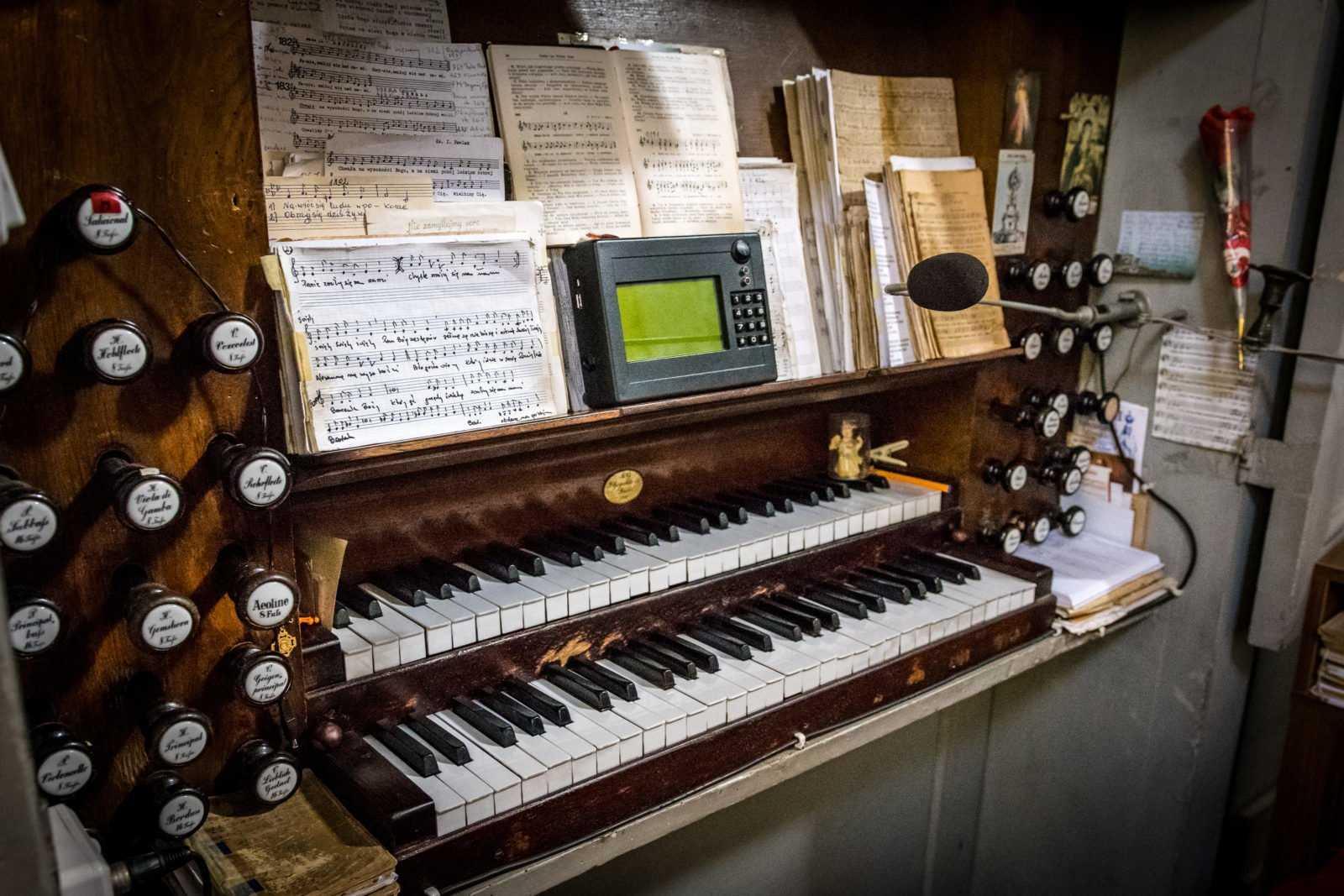 Organy w kościele św. Mikołaja w Krobi